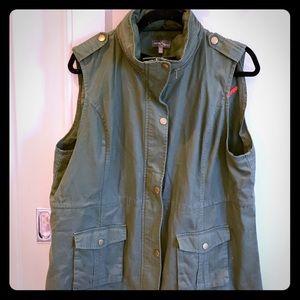 Market & Spruce Green vest jacket. Sz women XXL.